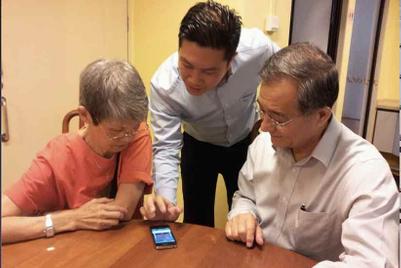 Singtel CSR initiative refurbishes iPhones for seniors